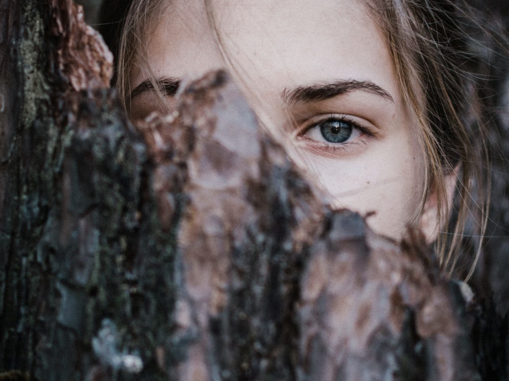 11 Signs You Are Clairsentient (Plus 7 Ways to Strengthen Your Psychic Abilities) 2